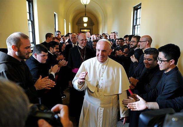 Pope Francis greets seminarians on his way to address the Bishops at St. Martin of Tours Chapel at St.Charles Borromeo Seminary