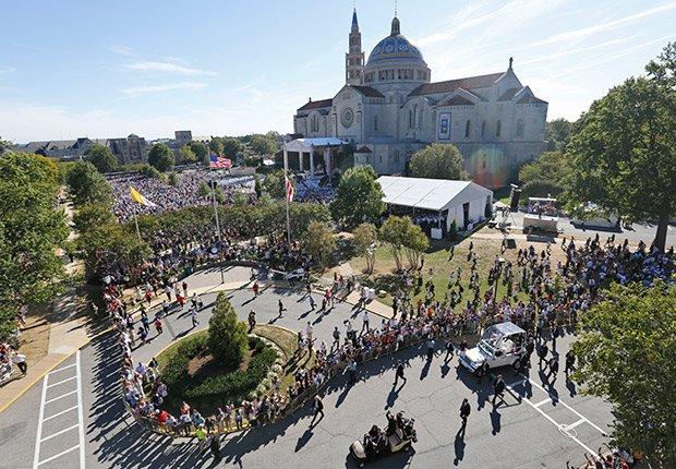 Papa Francisco a su arribo al Santuario Nacional de la Inmaculada Concepción - Washington DC