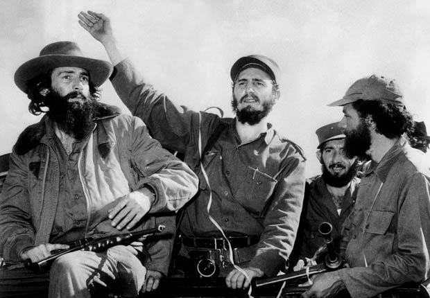 Líder comunista cubano Fidel Castro entró en La Habana victoriosamente después de derrocar al gobierno de Batista en 1959.