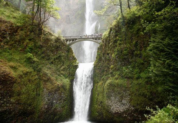 Multnomah Falls near the Columbus River, Oregon, USA