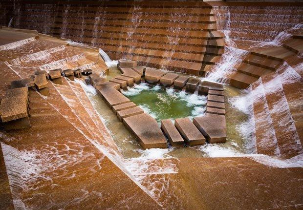 Fort Worth Water Gardens en el centro de Fort Worth, Texas - 10 Hermosos jardines en América