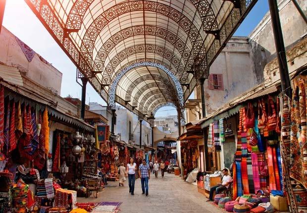 Un mercado en Rabat, Marruecos - 10 ideas de moda para sus vacaciones
