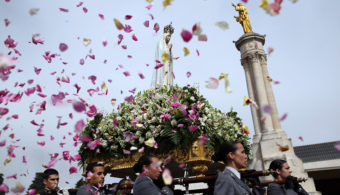 Guide: Celebrate Lady of Fatima's Centennial in Portugal