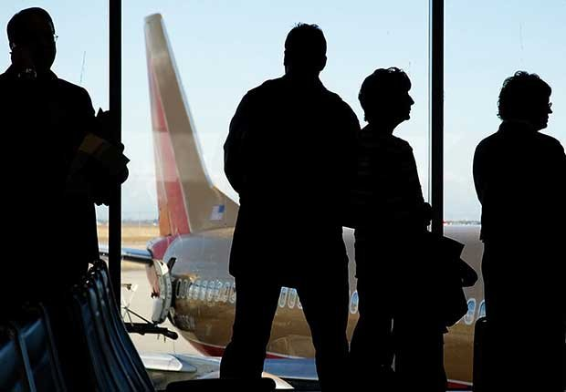 Recargos innecesarios de las aerolíneas y cómo evitarlos