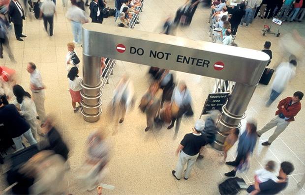 Los aeropuertos con más demoras en Estados Unidos - Sala de embarque del aeropuerto JFK