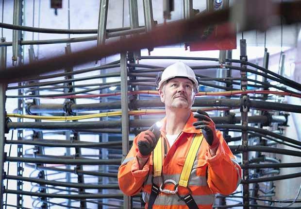 Trabajos con poco estrés, pero bien pagados como un ingeniero civil
