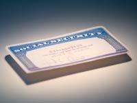 Imagen de varias tarjetas del Seguro Social.